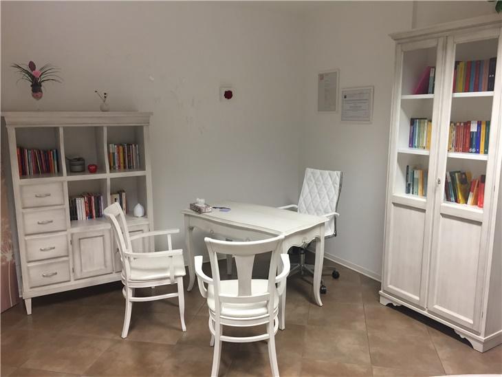 Studio privato - mobili in legno laccati a campione